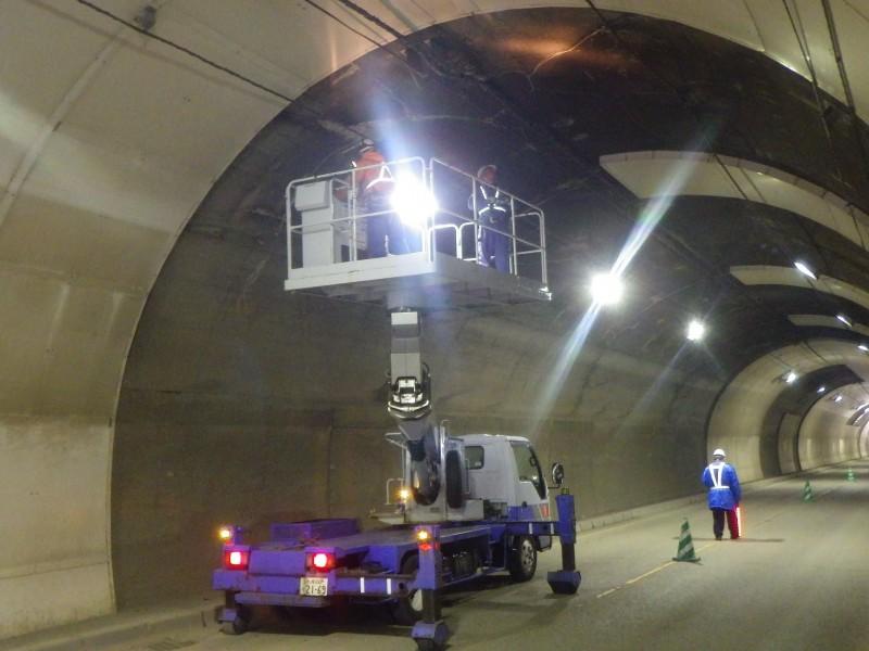 トンネル保守点検